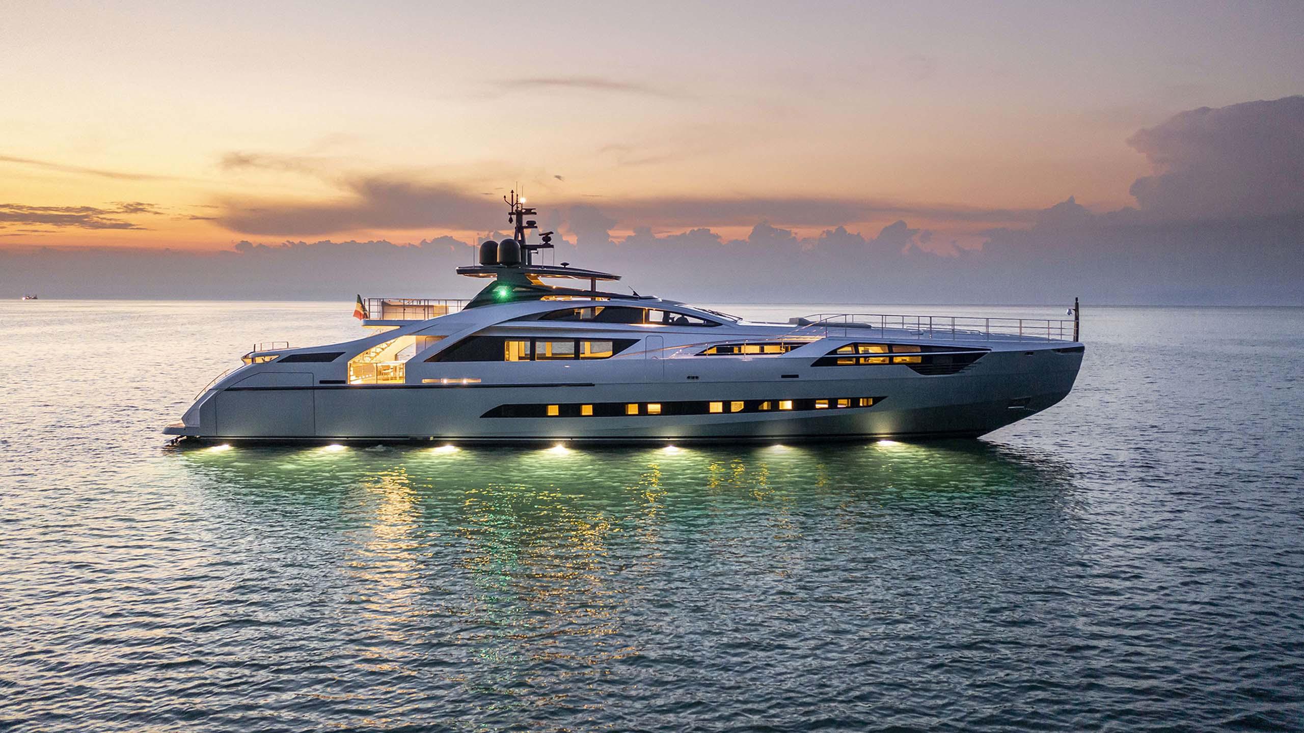 Pershing - Sieckmann Yachts