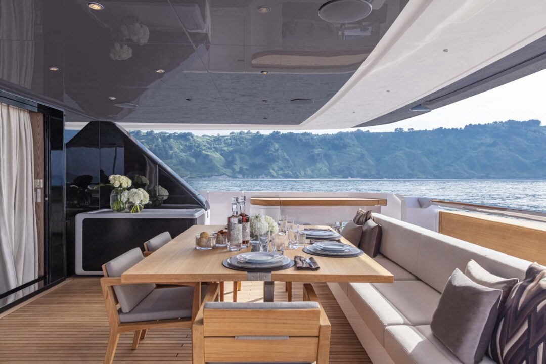 Custom Line 106' - Sieckmann Yachts