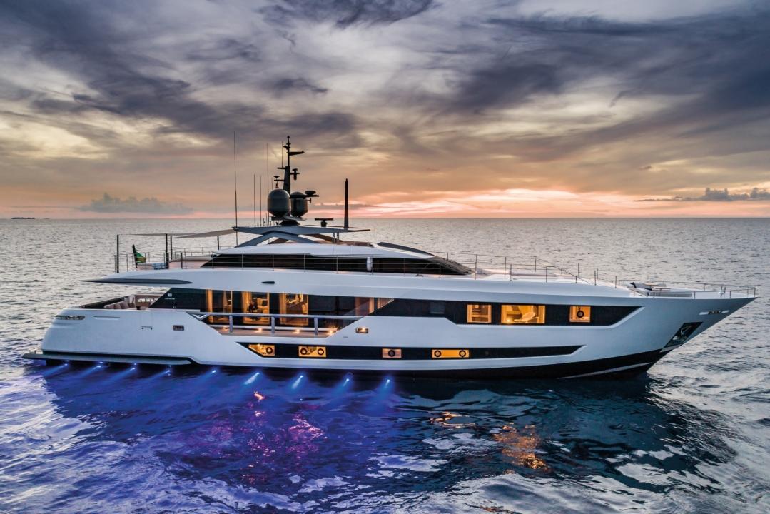 Custom Line 120' - Sieckmann Yachts