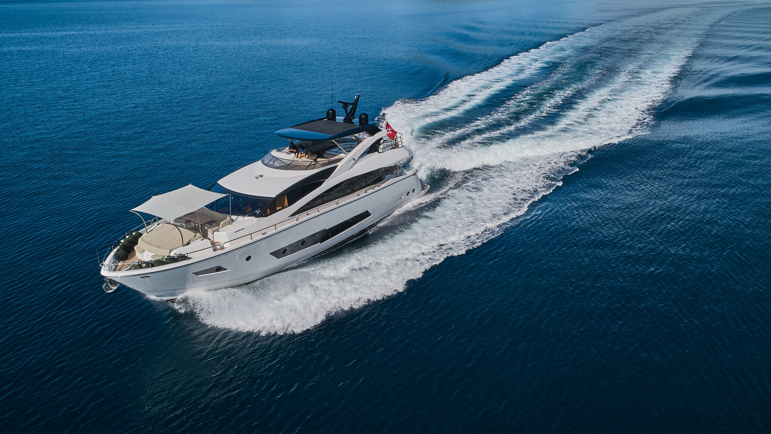 "Sunseeker 86 Yacht ""Escape"" - Sieckmann Yachts"